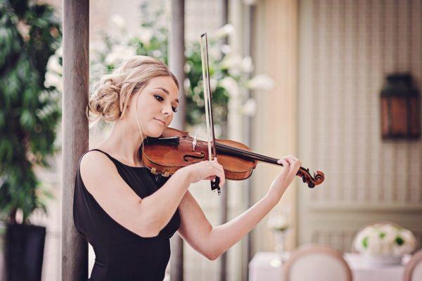 wedding string quartet violinist